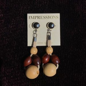 Jewelry - ⭐️Impressions Earrings